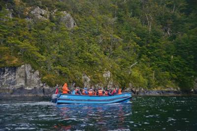 passeando entre as ilhas - Cruzeiro Skorpios III