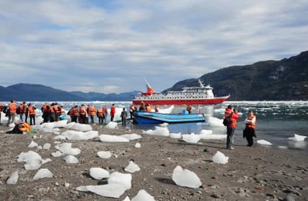 caminhada apreciando o glaciar